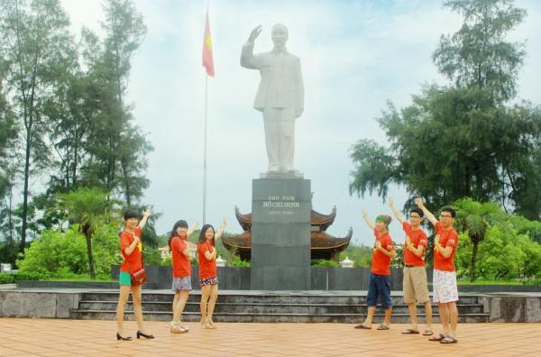 Hình ảnh: Đài tưởng niệm Bác Hồ trên đảo Cô Tô